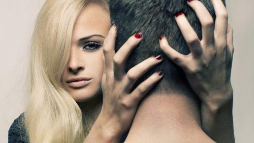 Особенности эротического массажа головы