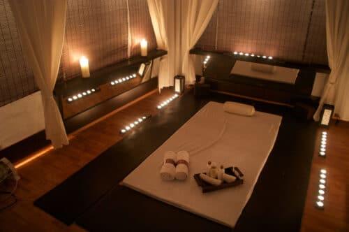 Преимущества эротического массажа в салоне