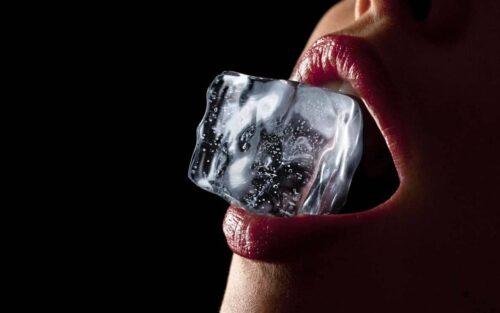 эротический массаж льдом